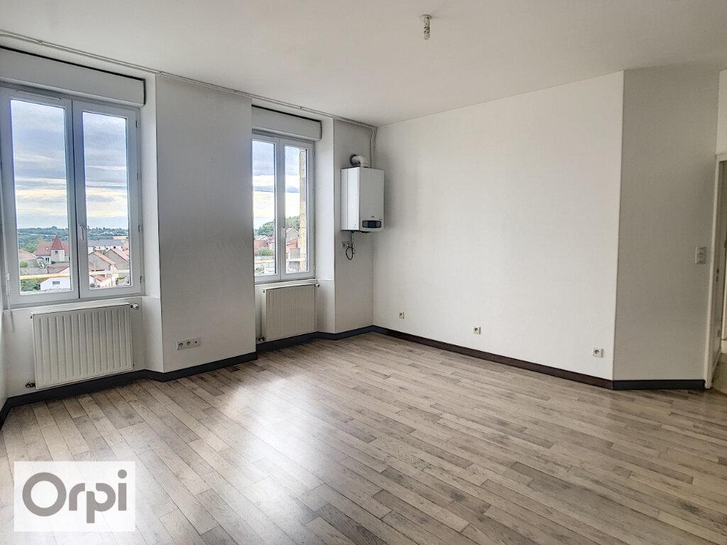 Appartement à louer 3 58m2 à Commentry vignette-3