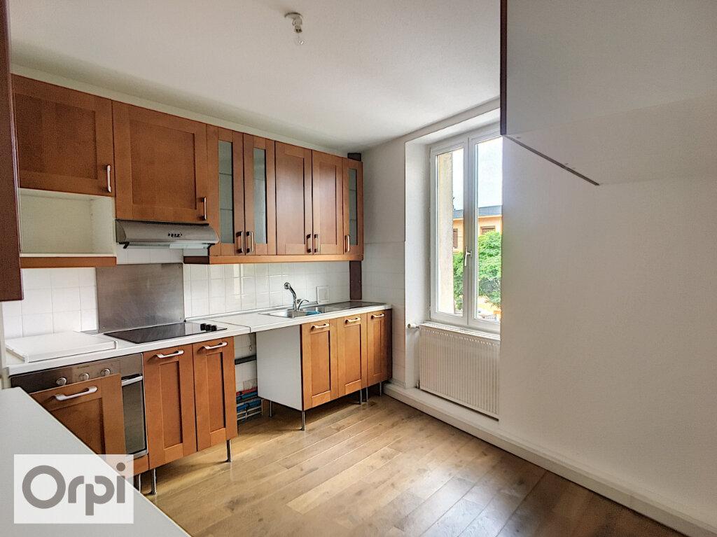 Appartement à louer 3 73m2 à Montluçon vignette-2