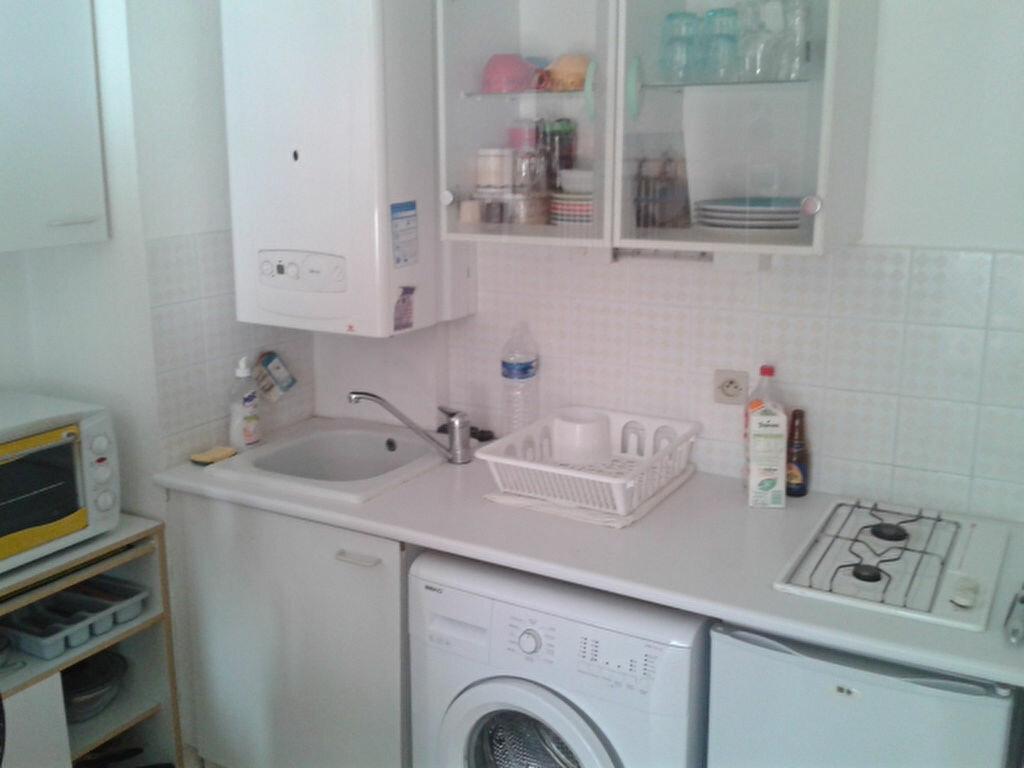 Appartement à louer 2 32m2 à Montpellier vignette-2