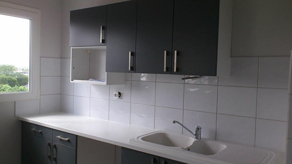 Appartement à louer 2 51.98m2 à Olivet vignette-2