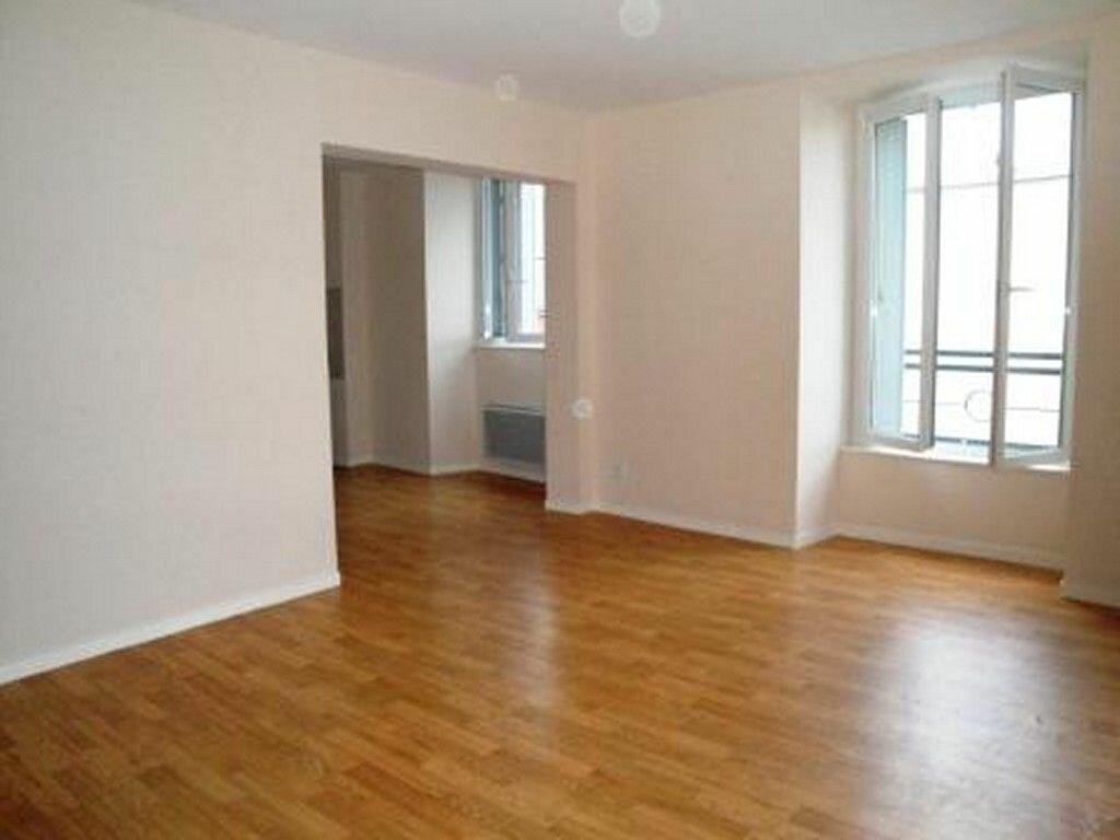 Appartement à louer 2 58.45m2 à Toury vignette-1