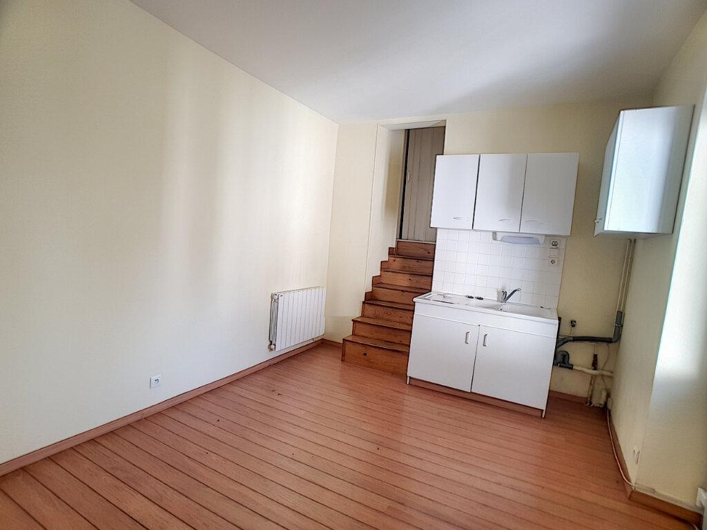 Appartement à louer 3 76.8m2 à Toury vignette-5