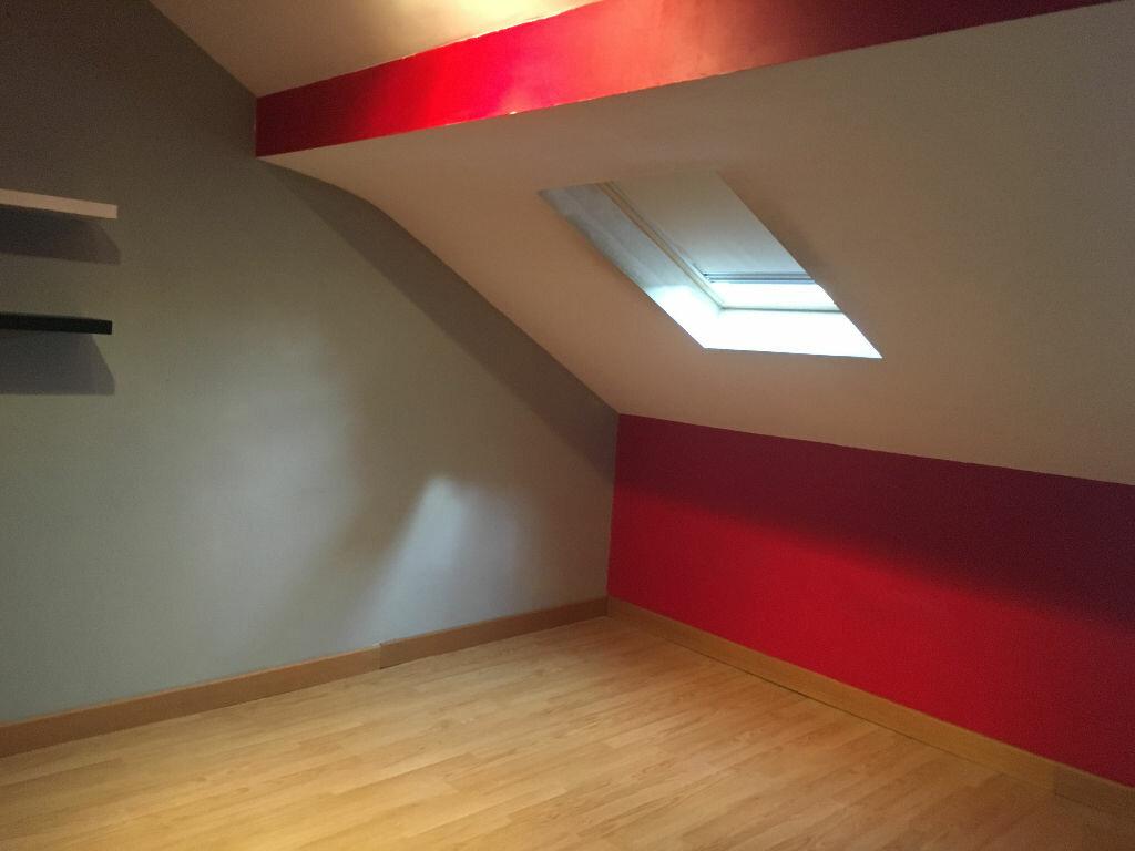 Appartement à louer 4 103m2 à Patay vignette-2