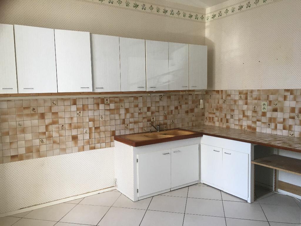 Appartement à louer 4 103m2 à Patay vignette-3