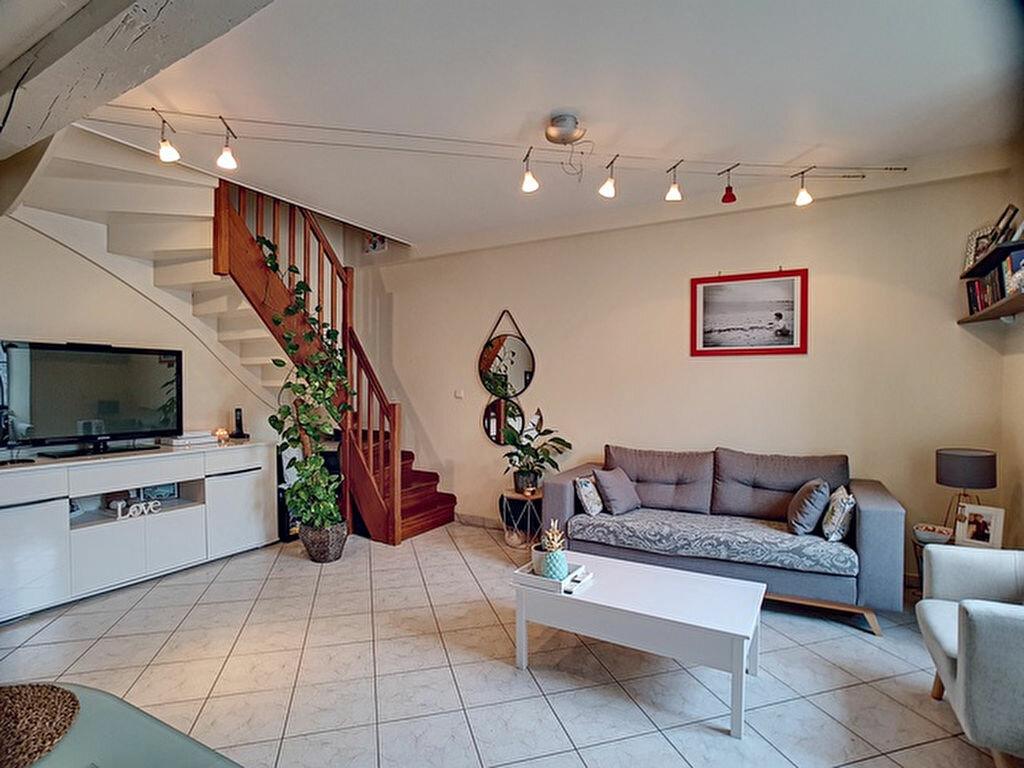 Appartement à vendre 3 50.12m2 à Toury vignette-2
