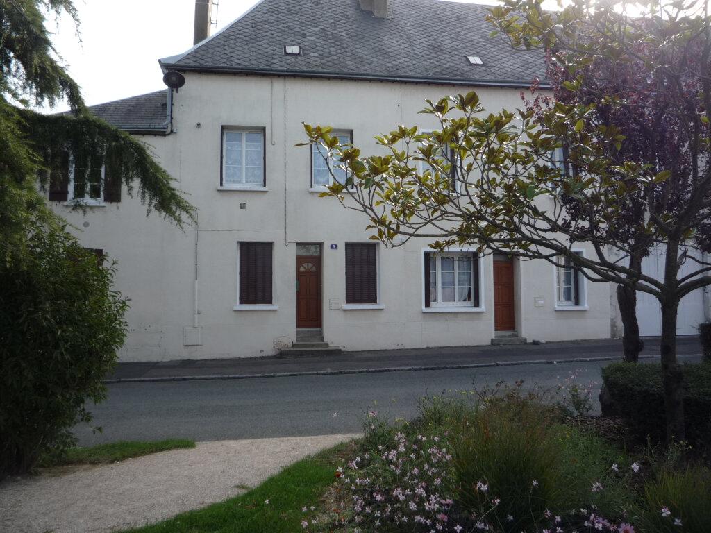 Appartement à louer 2 48.82m2 à Artenay vignette-1