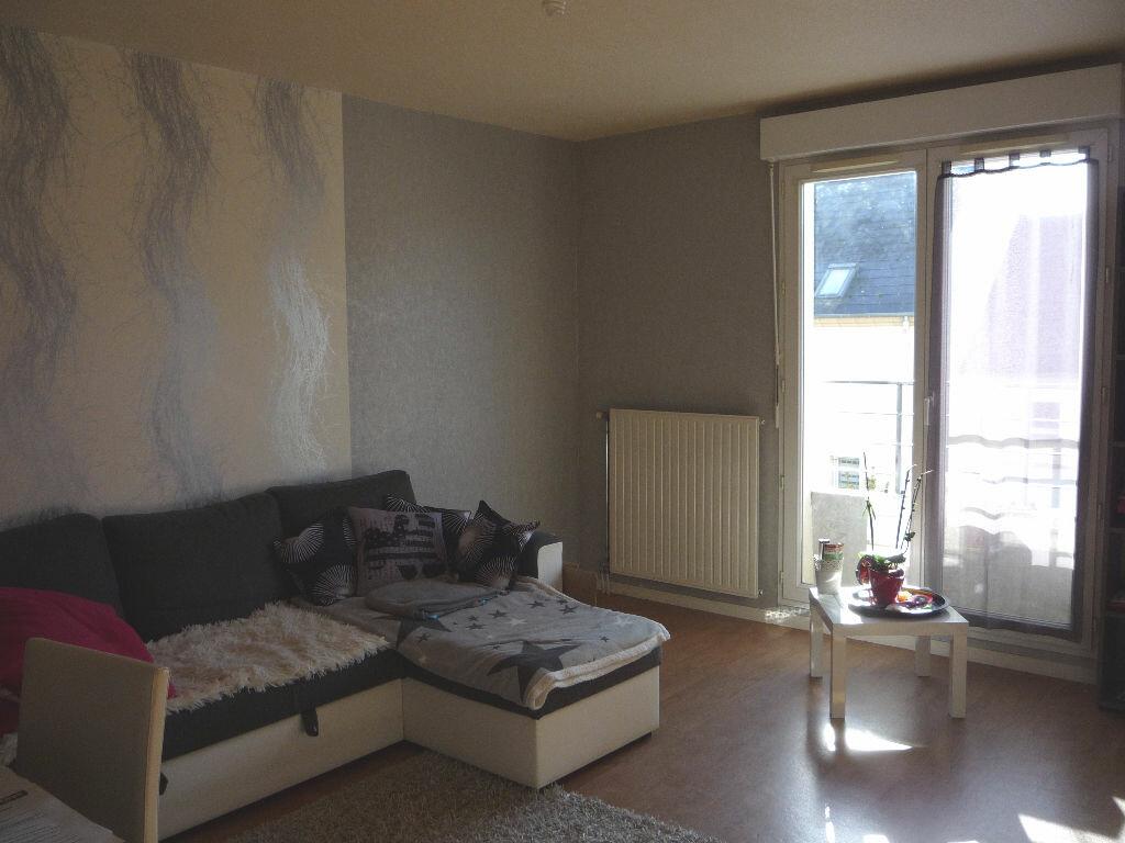 Appartement à louer 3 63.55m2 à Chécy vignette-2