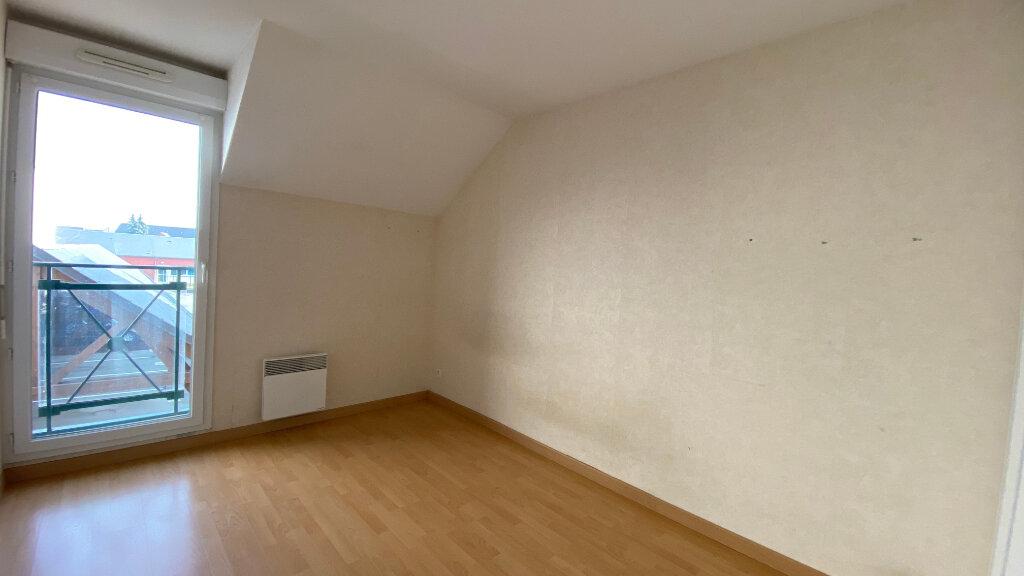 Appartement à louer 3 66.06m2 à Saint-Denis-de-l'Hôtel vignette-7
