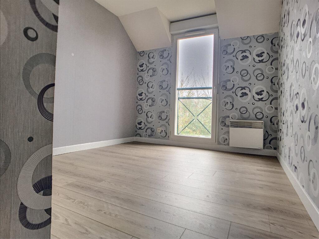 Maison à louer 4 89.8m2 à Saint-Denis-de-l'Hôtel vignette-5