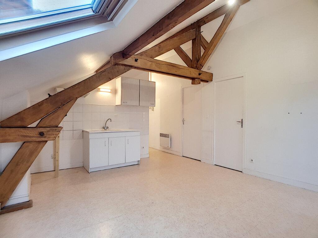 Appartement à louer 3 35.61m2 à Malesherbes vignette-2