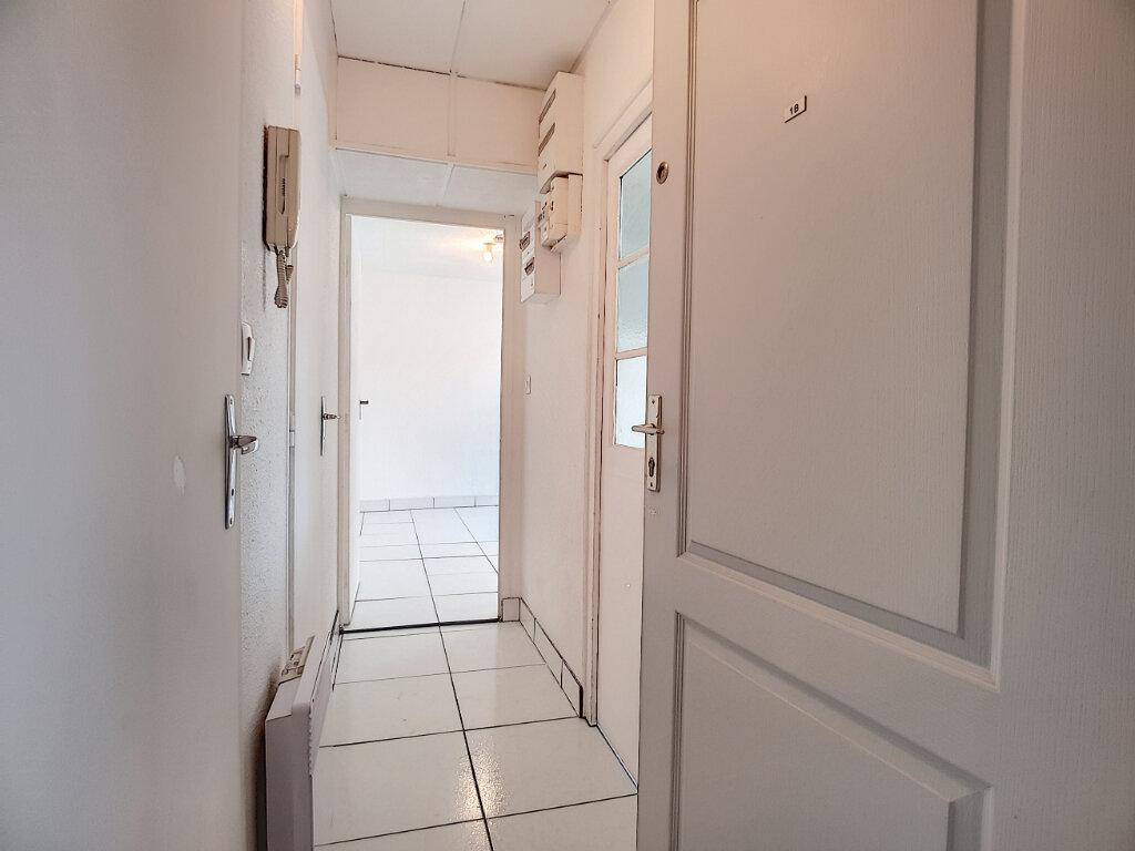 Appartement à louer 2 38.65m2 à Malesherbes vignette-1