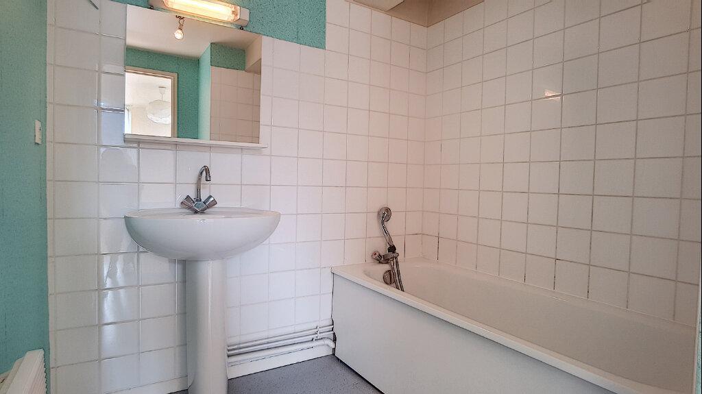 Appartement à louer 2 44.65m2 à Bellegarde vignette-4