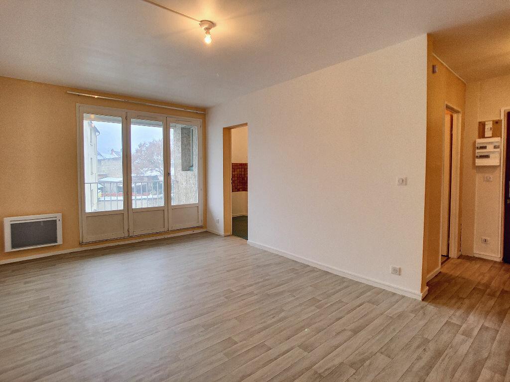 Appartement à louer 2 41.56m2 à Malesherbes vignette-1