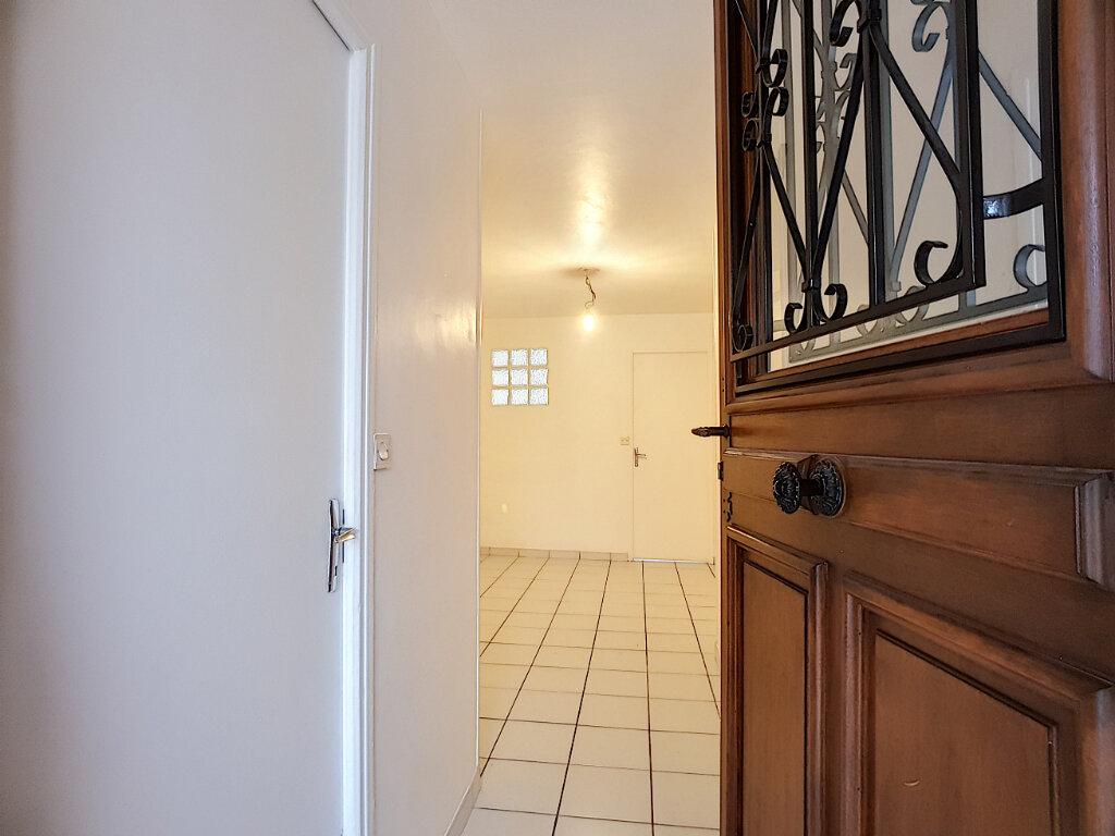 Appartement à louer 2 27.71m2 à Pithiviers vignette-1