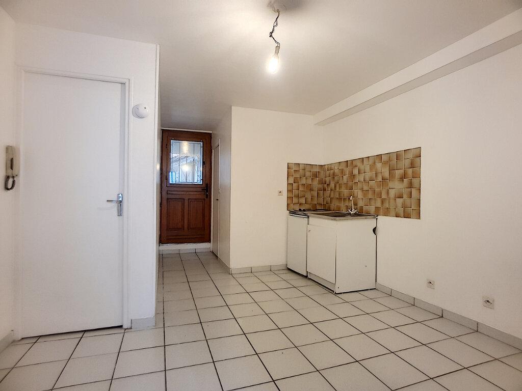 Appartement à louer 2 27.71m2 à Pithiviers vignette-2