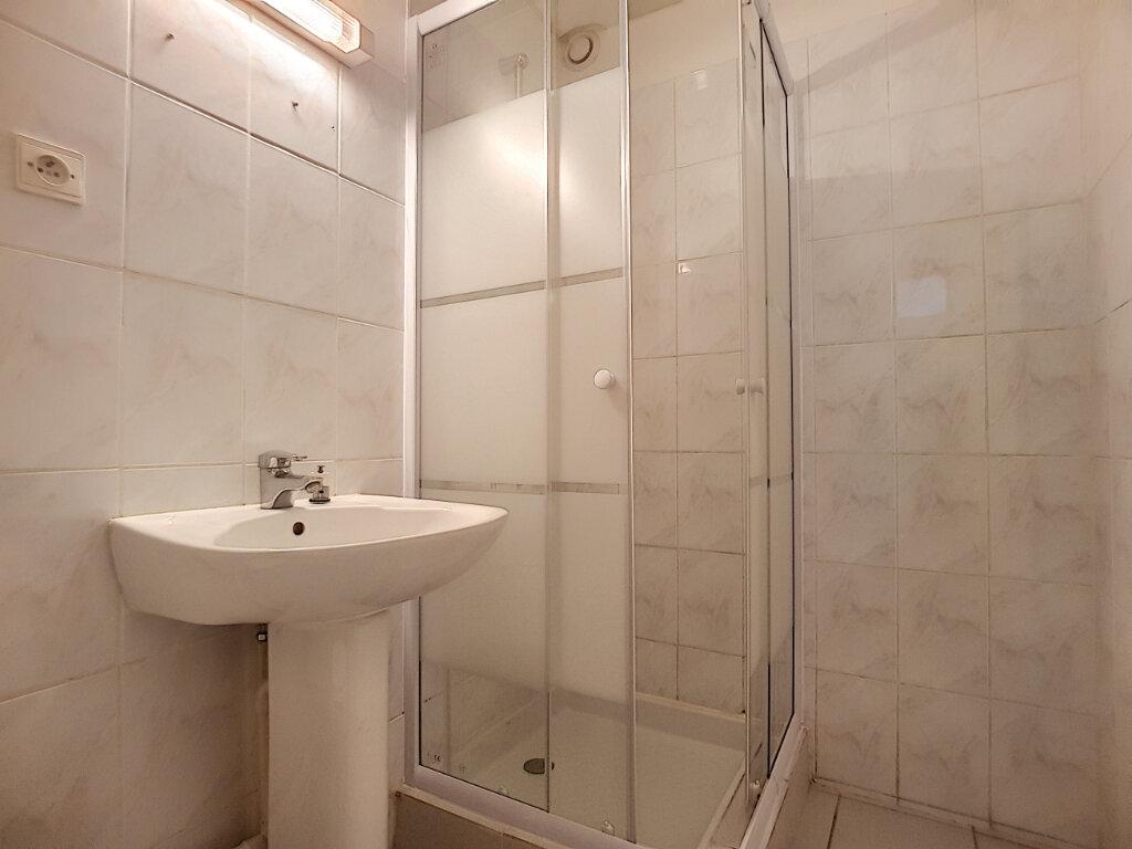 Appartement à louer 2 27.71m2 à Pithiviers vignette-4