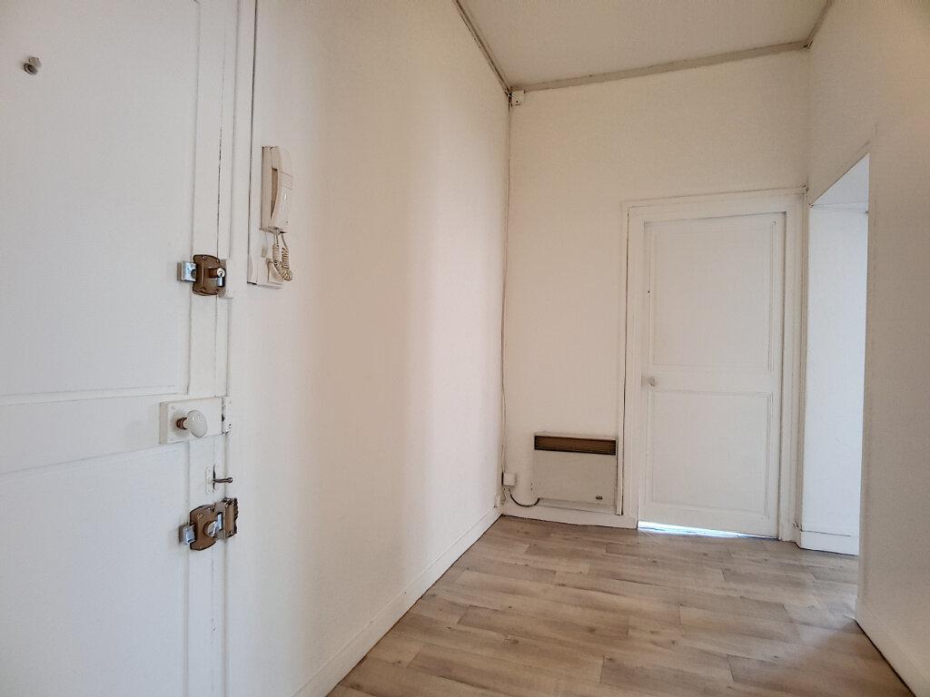 Appartement à louer 2 54.53m2 à Pithiviers vignette-1