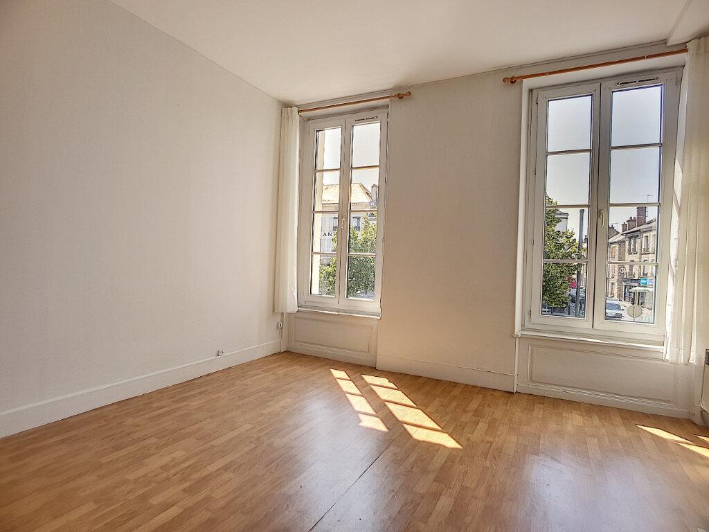 Appartement à louer 2 54.53m2 à Pithiviers vignette-5