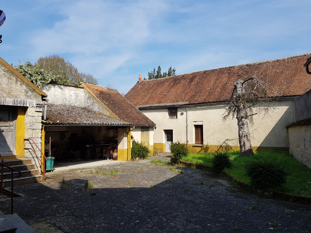 Maison à vendre 6 120.48m2 à La Neuville-sur-Essonne vignette-1
