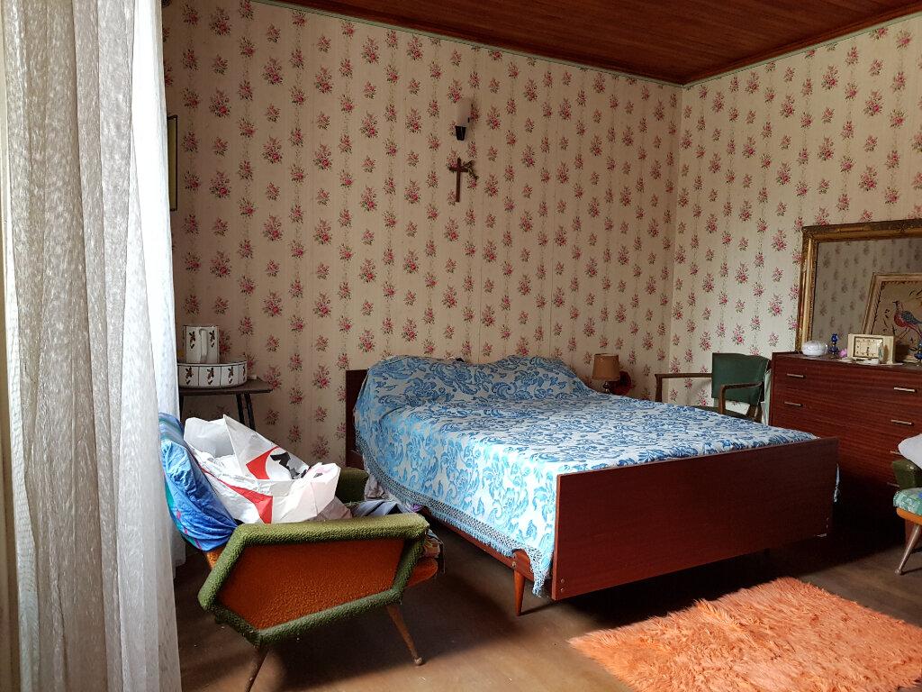 Maison à vendre 6 120.48m2 à La Neuville-sur-Essonne vignette-4