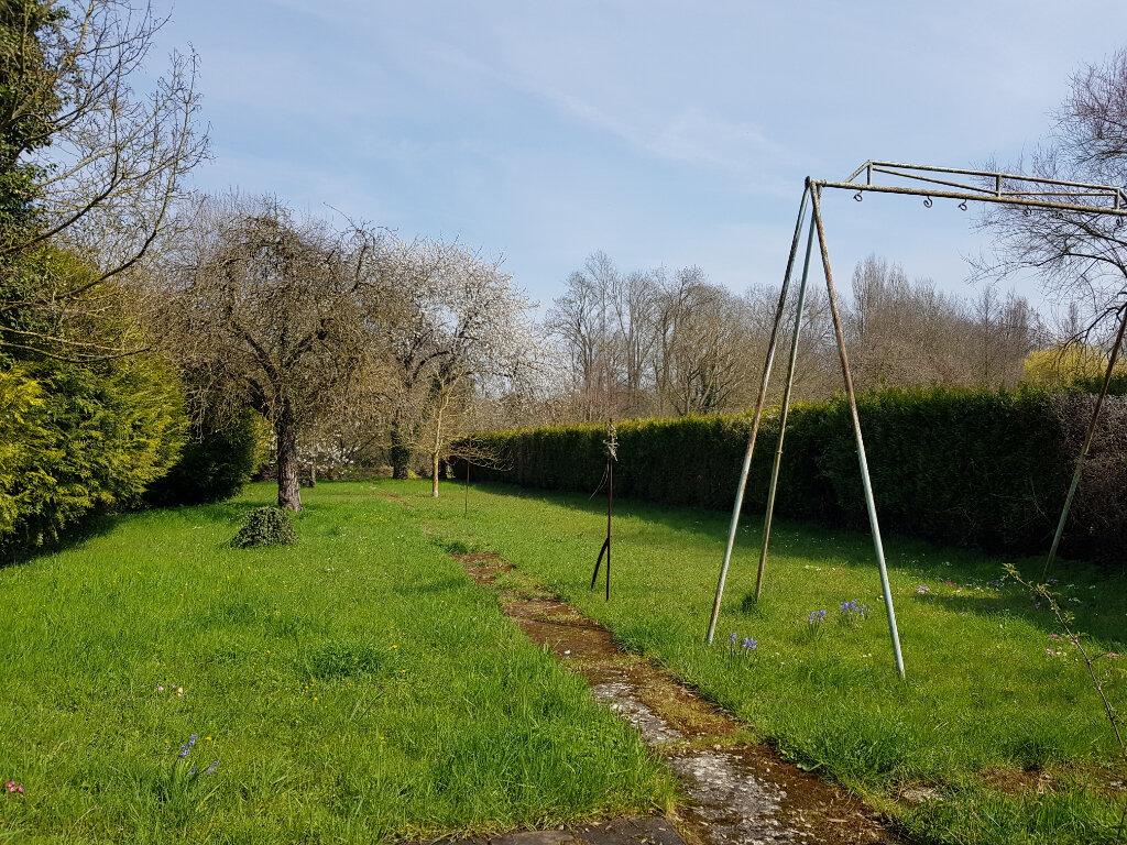 Maison à vendre 6 120.48m2 à La Neuville-sur-Essonne vignette-6