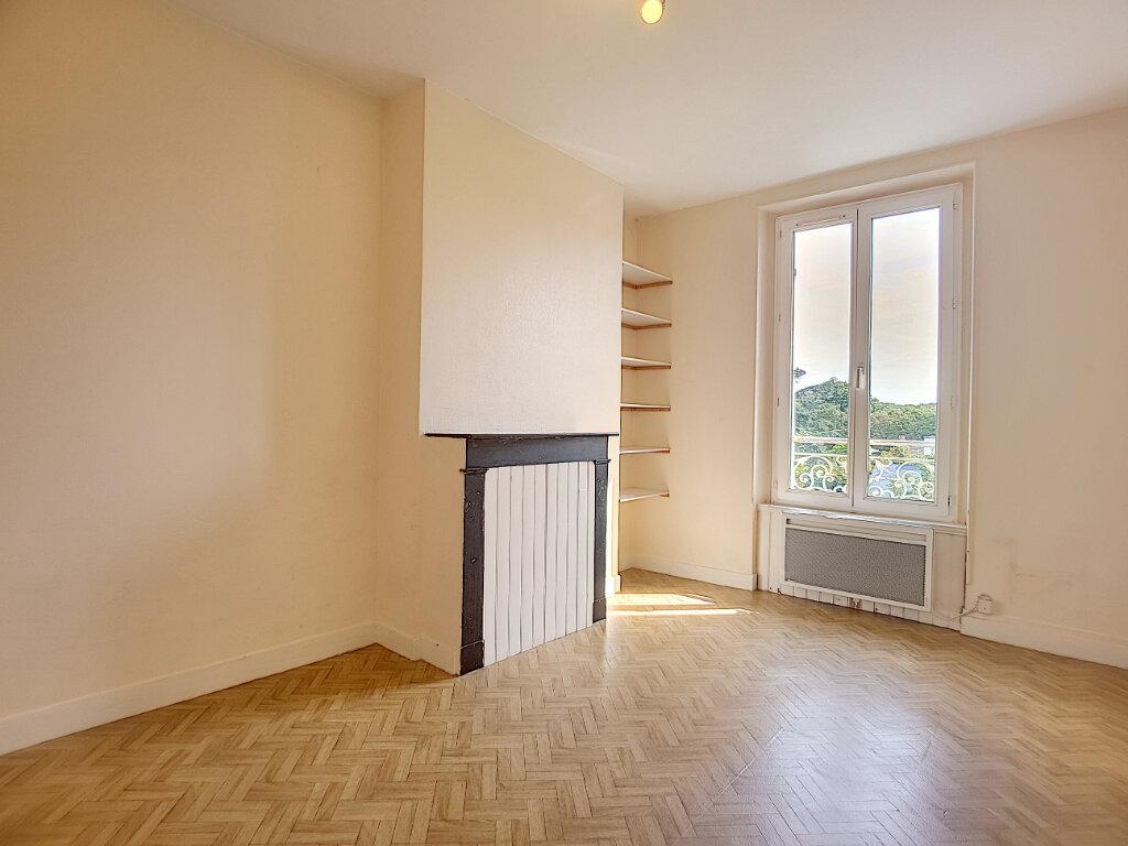 Appartement à louer 3 54.74m2 à Malesherbes vignette-2