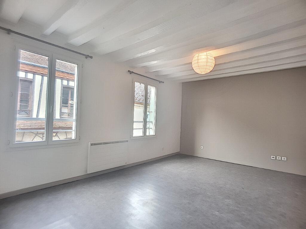 Appartement à louer 2 35.12m2 à Beaune-la-Rolande vignette-2