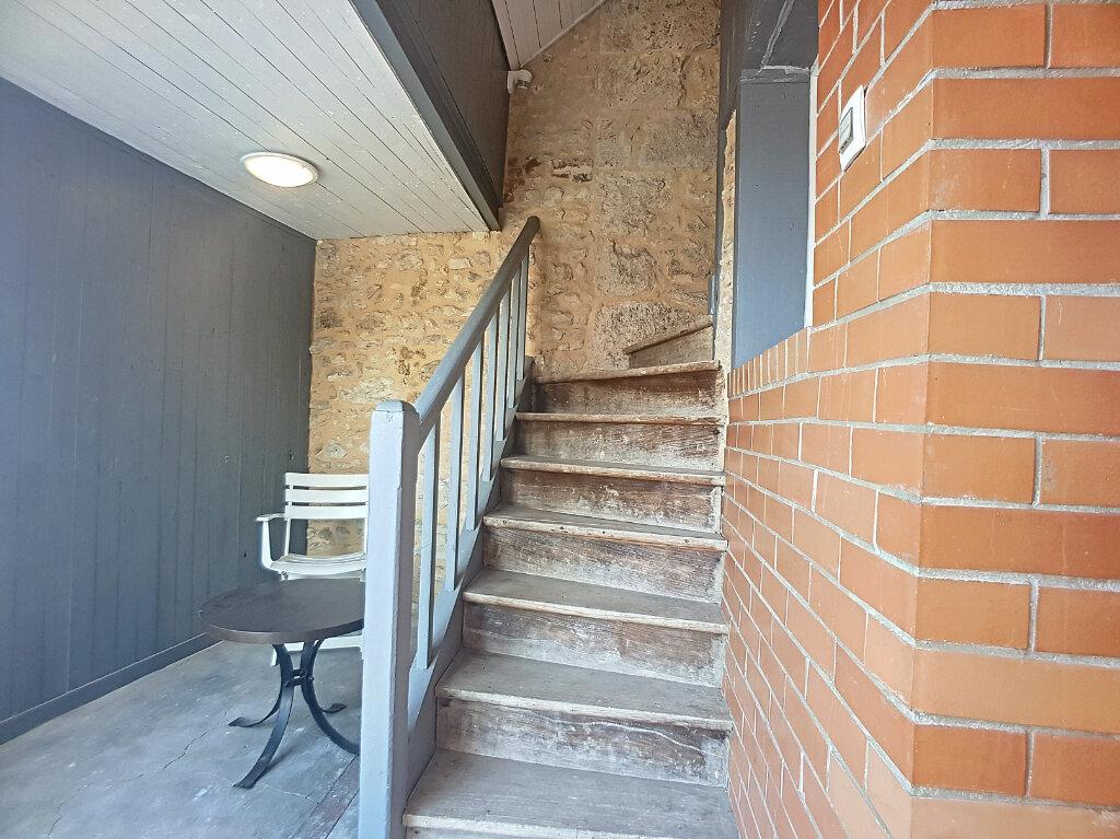 Appartement à louer 2 35.12m2 à Beaune-la-Rolande vignette-6