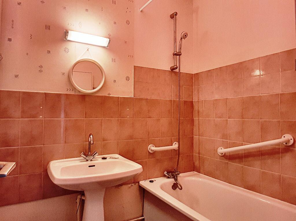 Appartement à louer 2 45m2 à Montargis vignette-4