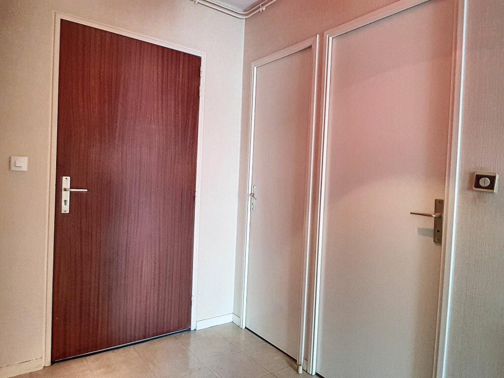 Appartement à louer 2 45m2 à Montargis vignette-7