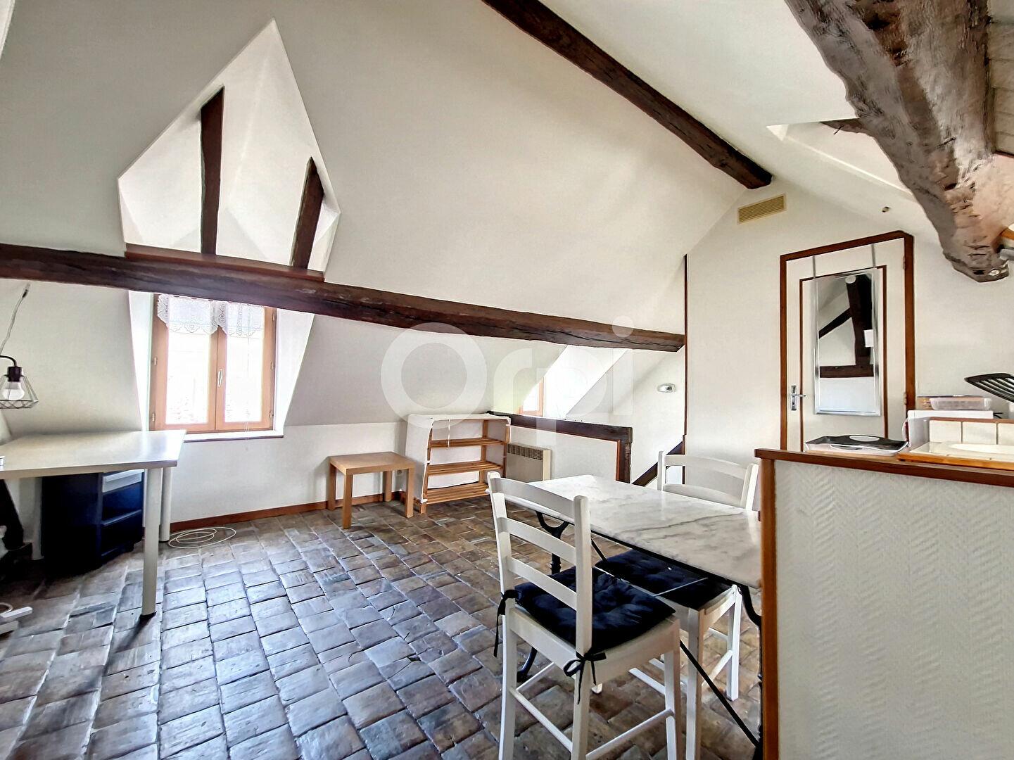 Appartement à louer 1 12m2 à Montargis vignette-1