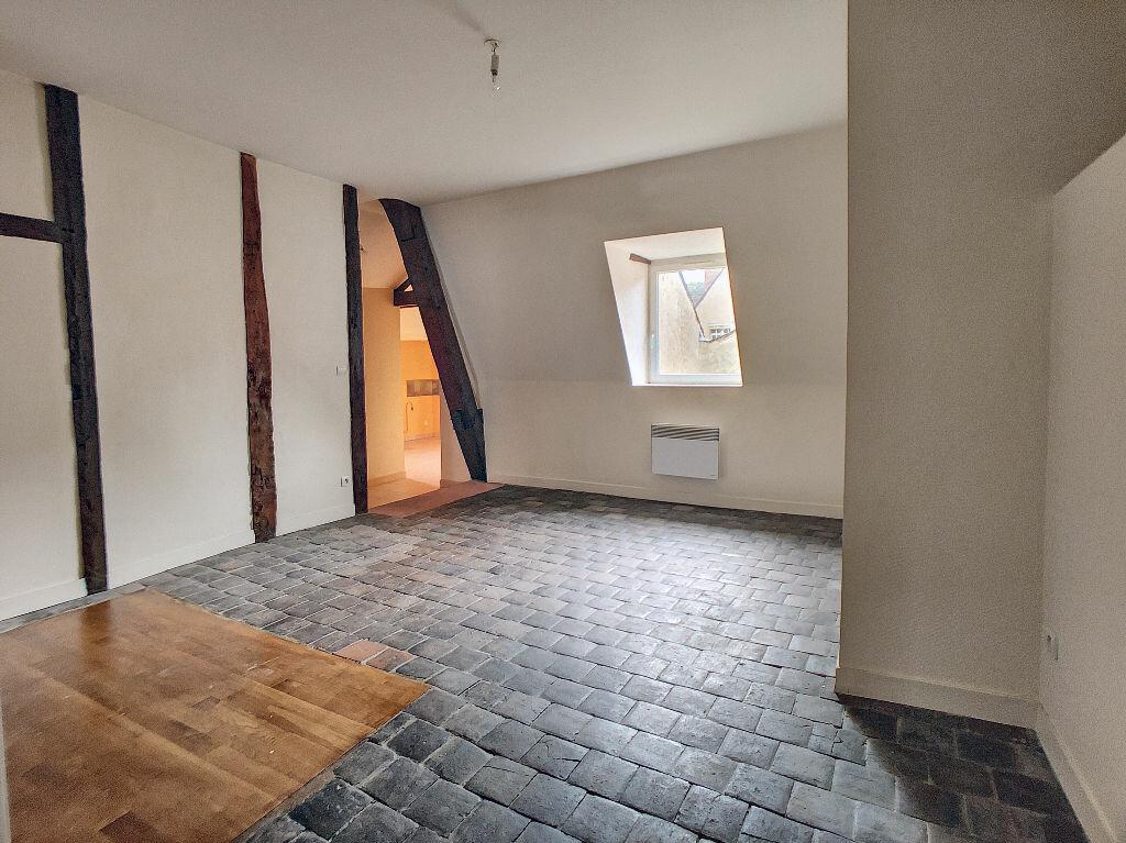 Appartement à louer 3 55m2 à Montargis vignette-2