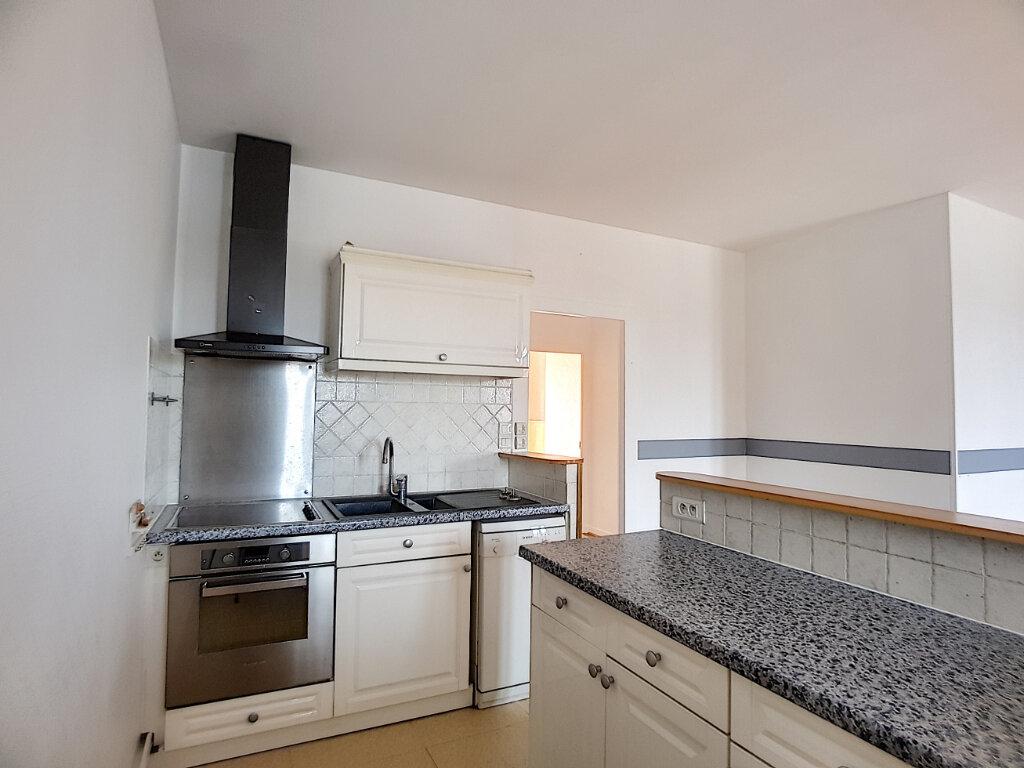 Appartement à vendre 3 70.34m2 à Pithiviers vignette-3