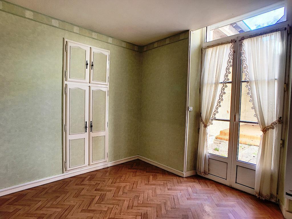 Appartement à louer 2 33m2 à Montargis vignette-3