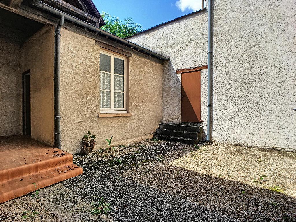 Appartement à louer 2 33m2 à Montargis vignette-4