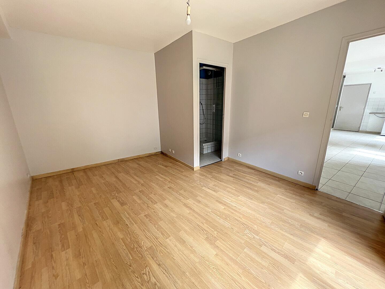 Appartement à louer 2 44.32m2 à Toury vignette-2
