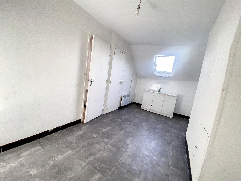 Appartement à louer 3 49.59m2 à Patay vignette-3