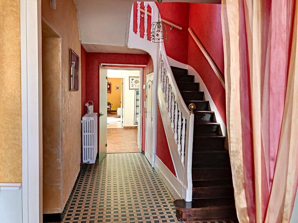 Maison à louer 4 140.32m2 à Patay vignette-1