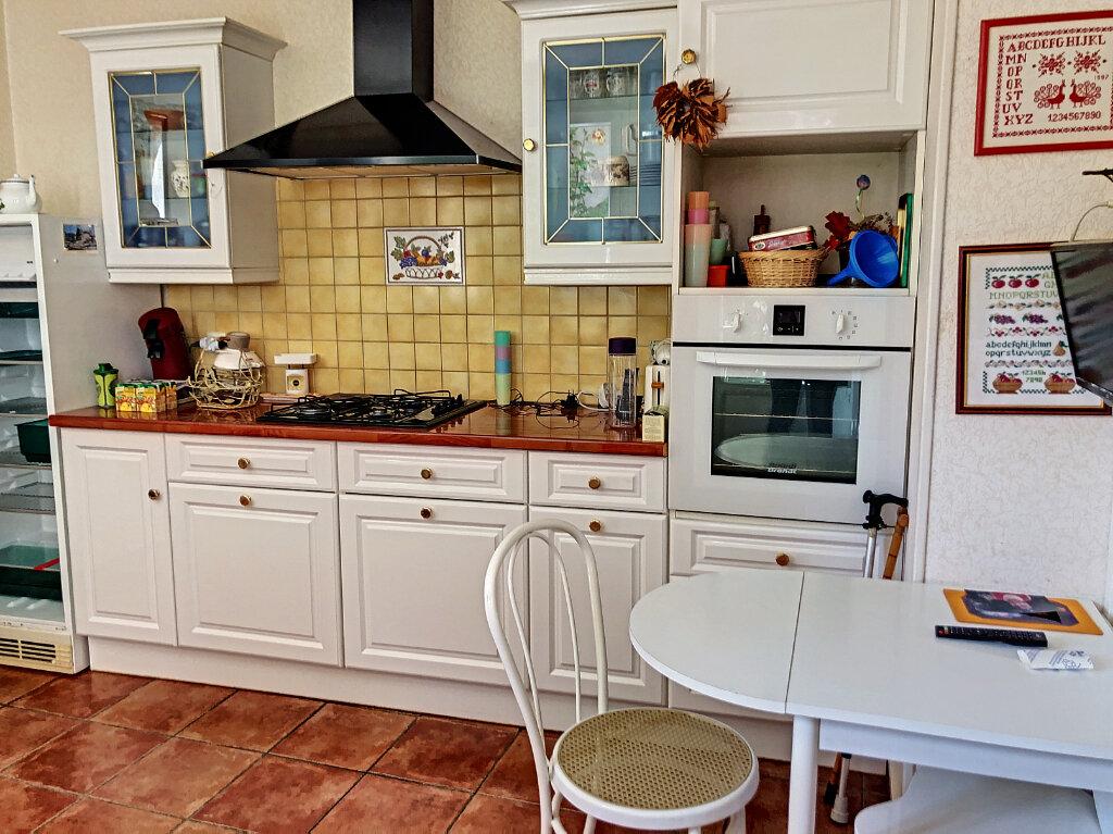 Maison à louer 4 140.32m2 à Patay vignette-3