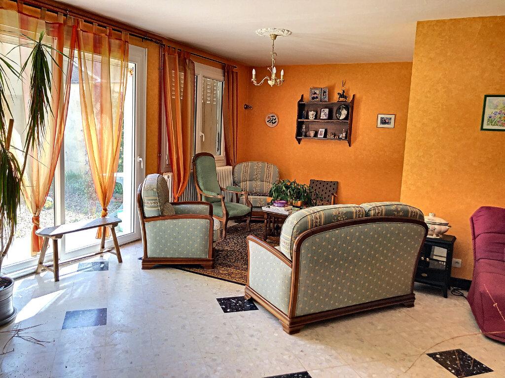 Maison à louer 4 140.32m2 à Patay vignette-5
