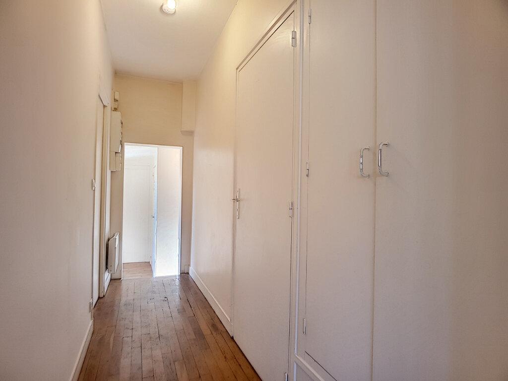 Appartement à louer 3 50.01m2 à Bellegarde vignette-4