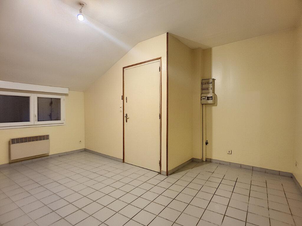 Appartement à louer 2 29.94m2 à Pithiviers vignette-3