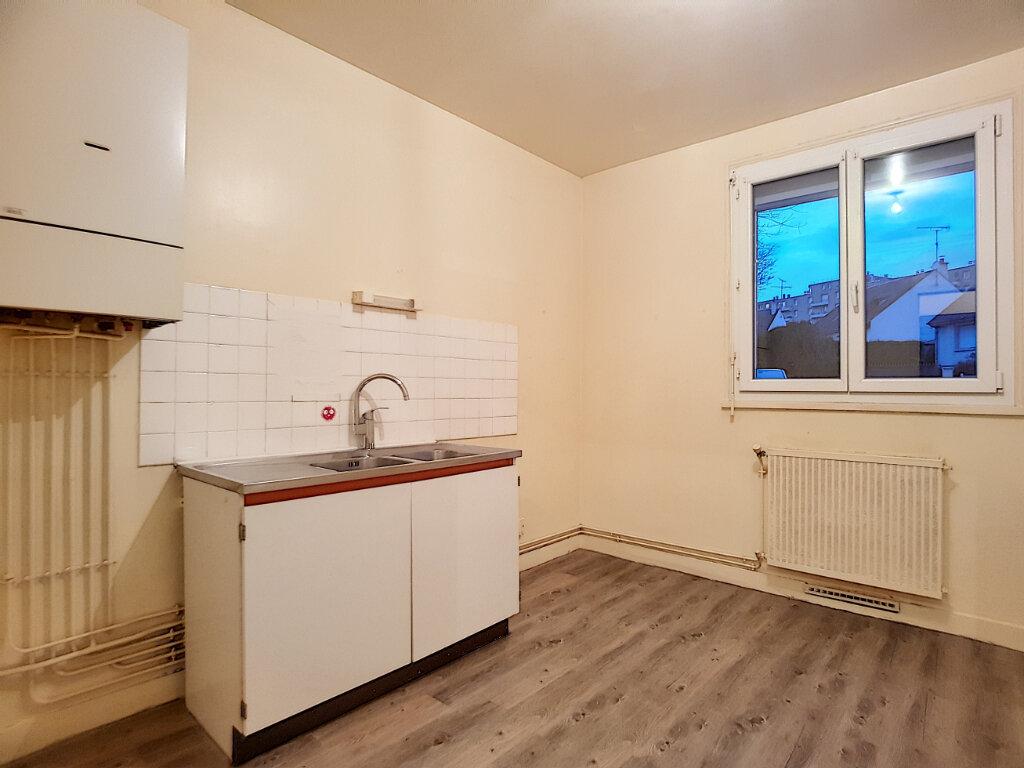 Appartement à louer 3 72m2 à Pithiviers vignette-2