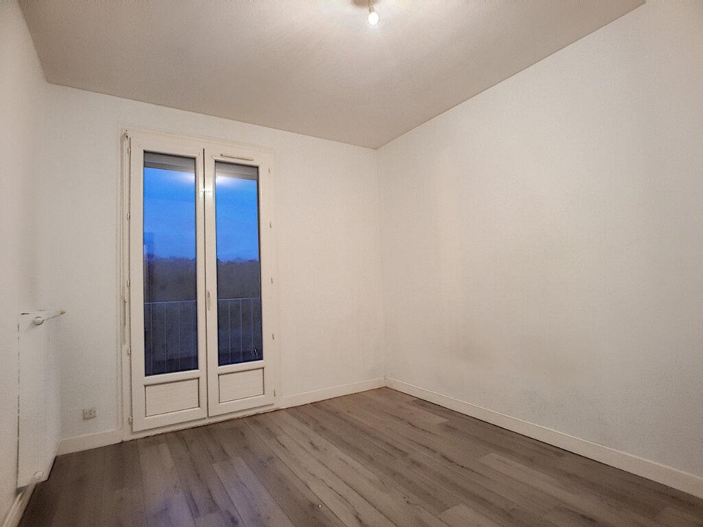 Appartement à louer 3 72m2 à Pithiviers vignette-4
