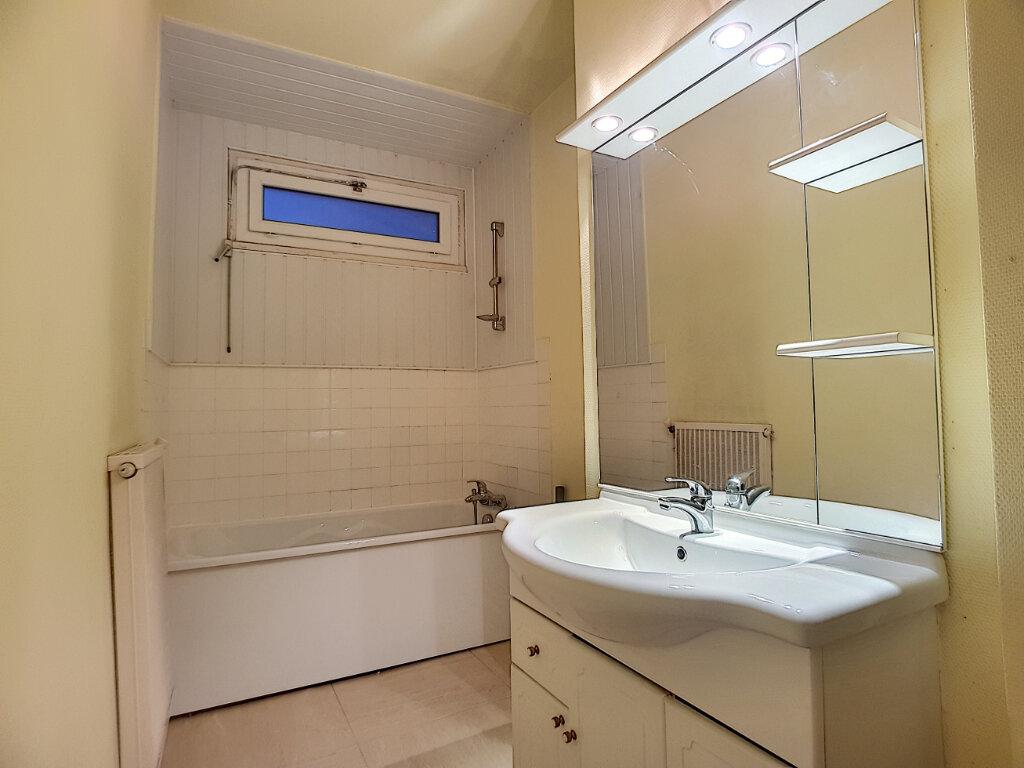 Appartement à louer 3 72m2 à Pithiviers vignette-6
