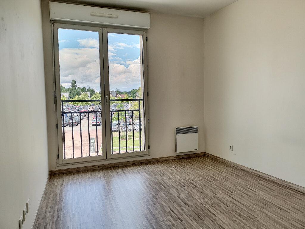 Appartement à louer 2 51.86m2 à Montargis vignette-4