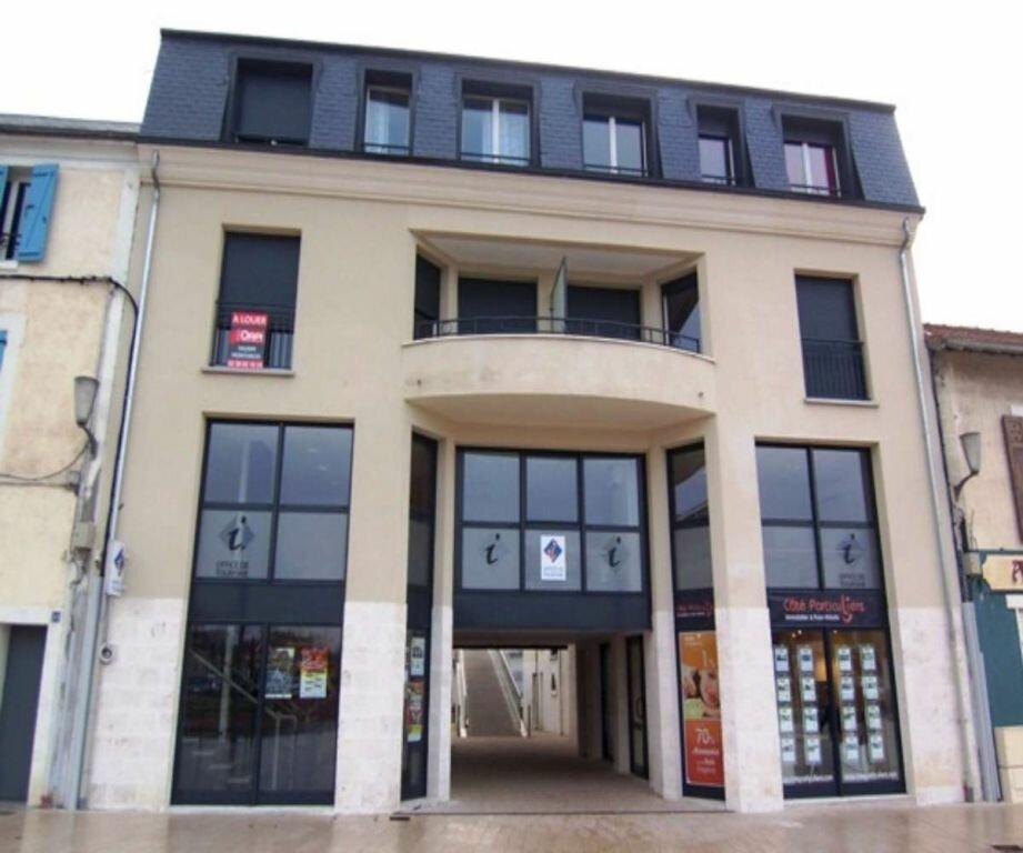 Appartement à louer 2 51.86m2 à Montargis vignette-6