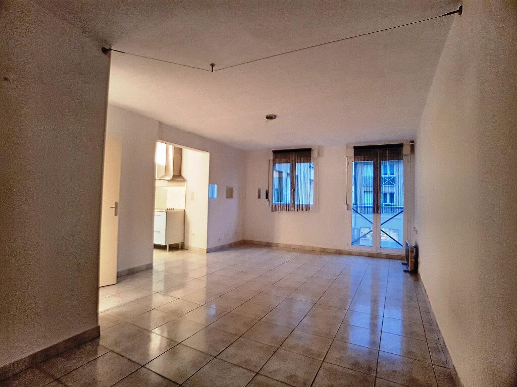 Appartement à louer 1 36m2 à Montargis vignette-1