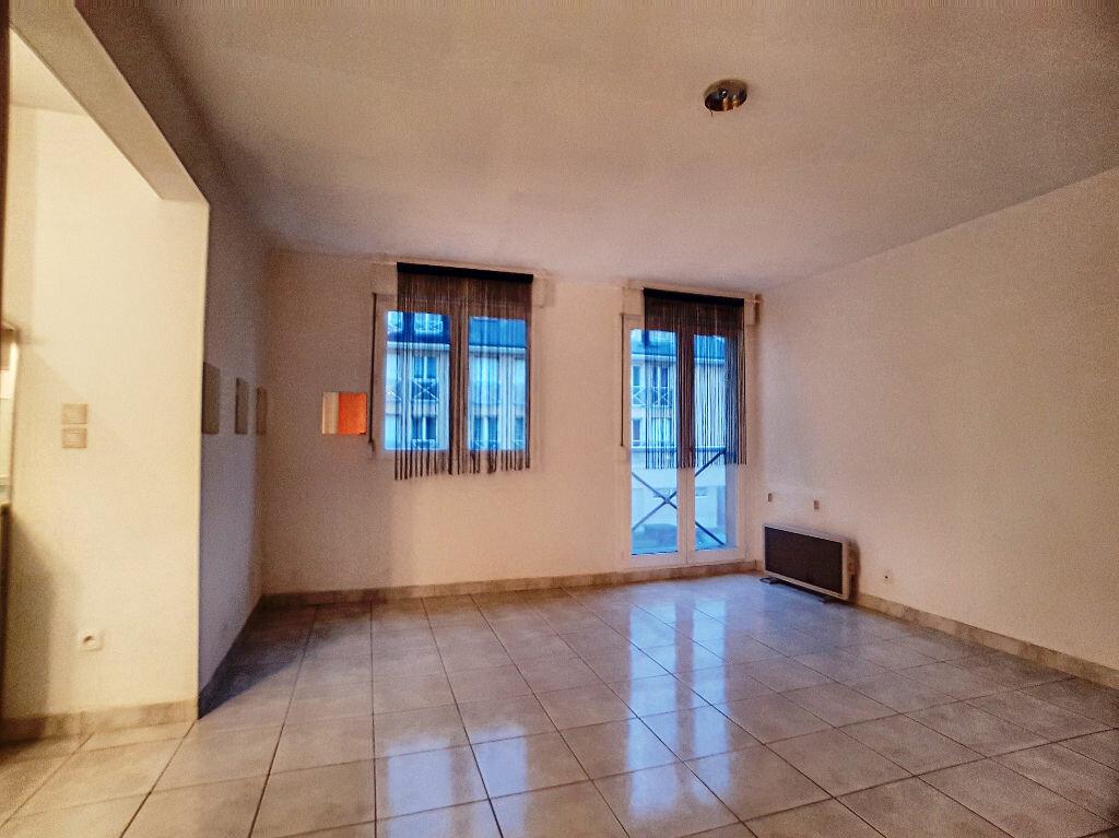 Appartement à louer 1 36m2 à Montargis vignette-2