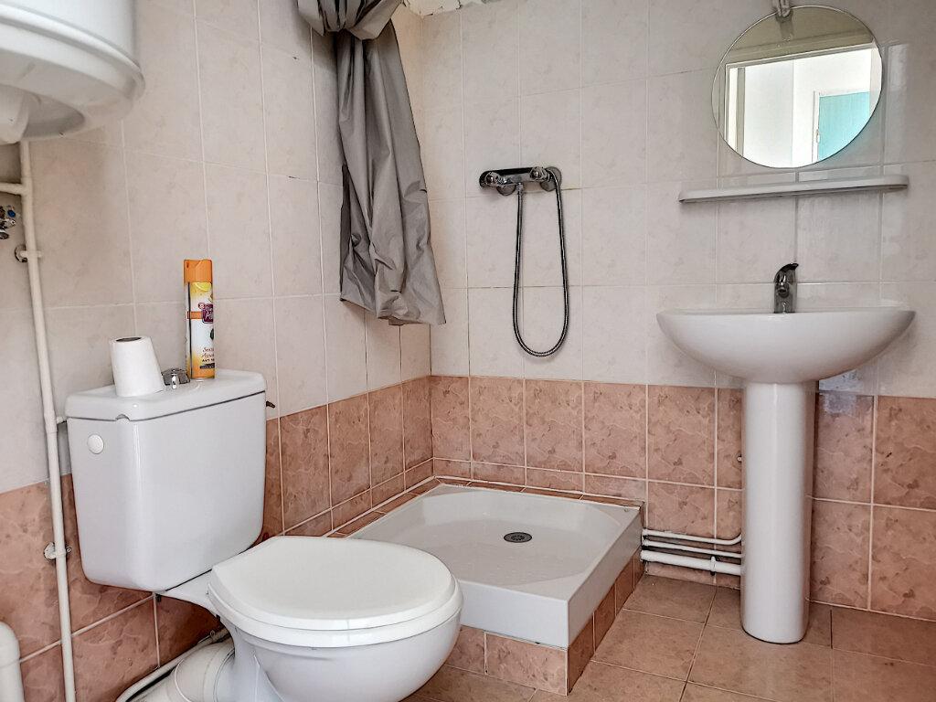 Appartement à louer 1 23m2 à Montargis vignette-4